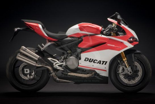 Panigale-959Corse-MY18-Red-44-Slider-Gallery-1920x1080