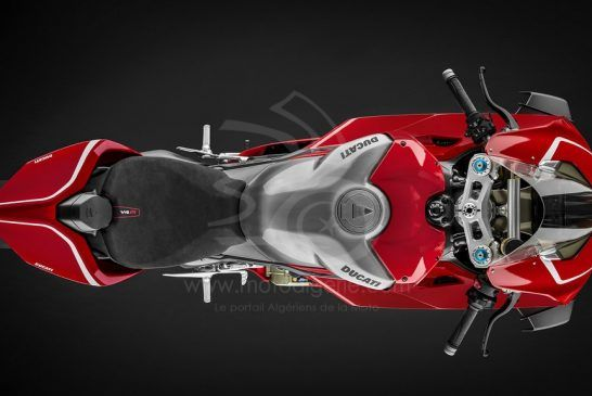 Panigale-V4R-Red-MY19-01-Gallery-1920x1080