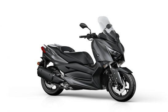 2018-Yamaha-XMAX300-EU-Sonic_Grey-Studio-001-03