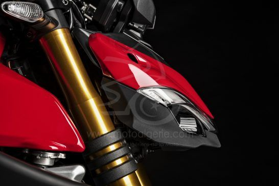 MY20_DUCATI_STREETFIGTHER V4 S_23_UC101709_Mid