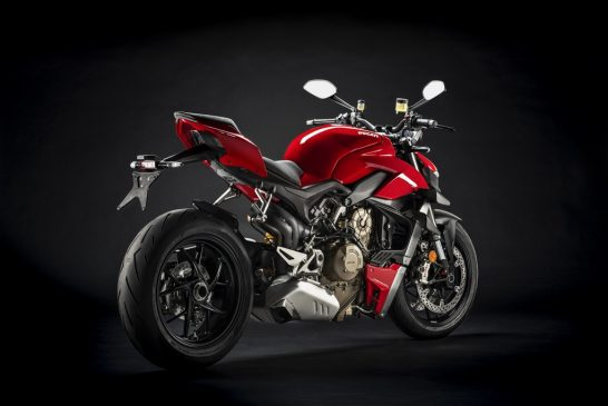 MY20_DUCATI_STREETFIGTHER V4 S_28_UC101712_Mid