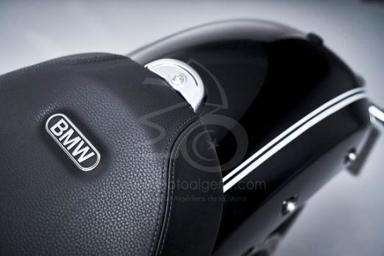 P90386437_lowRes_the-bmw-r-18-first-e