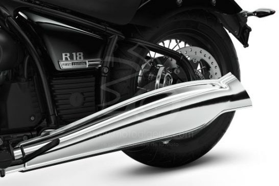 P90386693_lowRes_the-bmw-r-18-04-2020