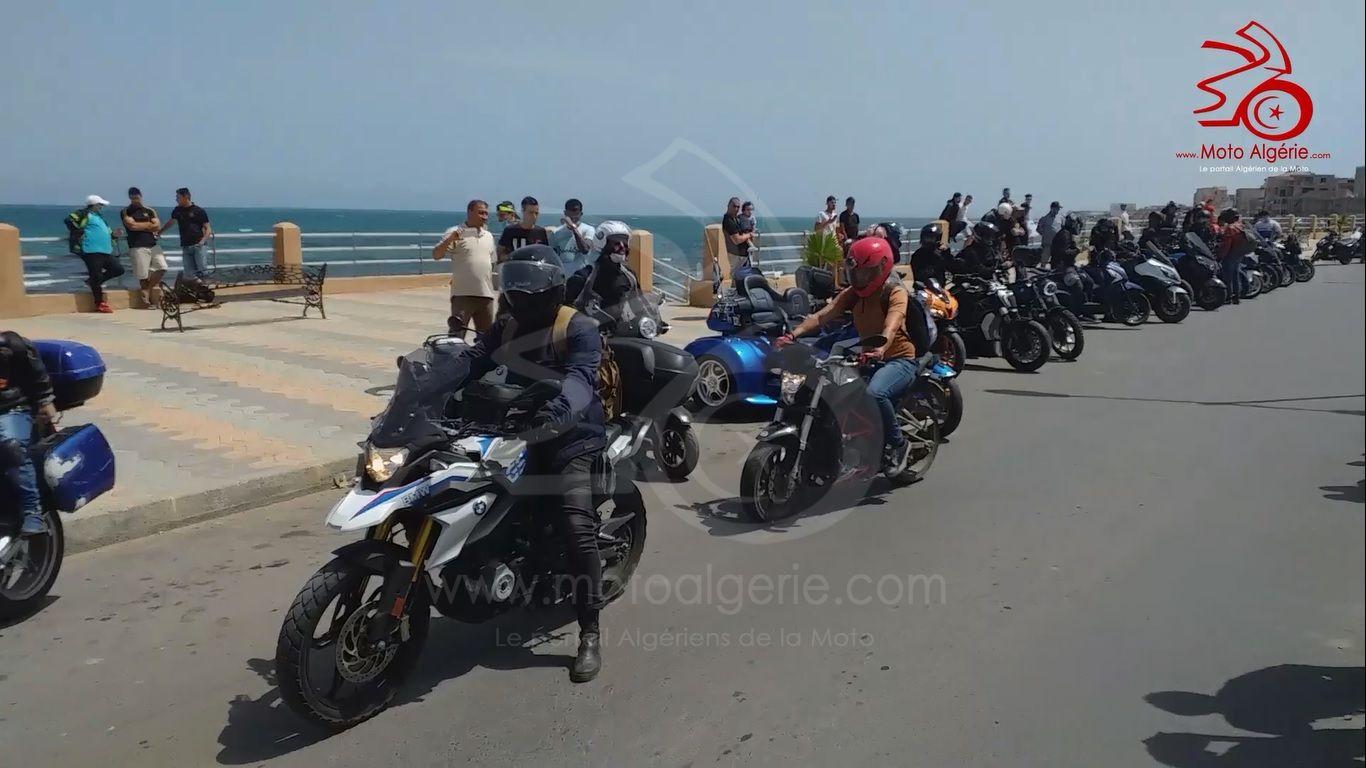 Regroupement motards du groupe Kahwistes Riders à Bousmail