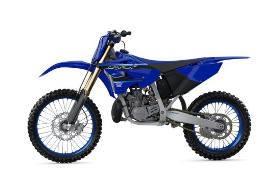 2021-Yamaha-YZ250LC-EU-Icon_Blue-360-Degrees-024-03_Tablet