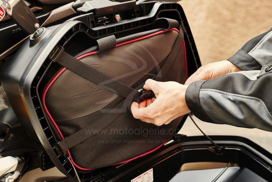 DUCATI_MULTISTRADA_ACCESSORIES_Rigid side panniers custom liners_UC178554_Low