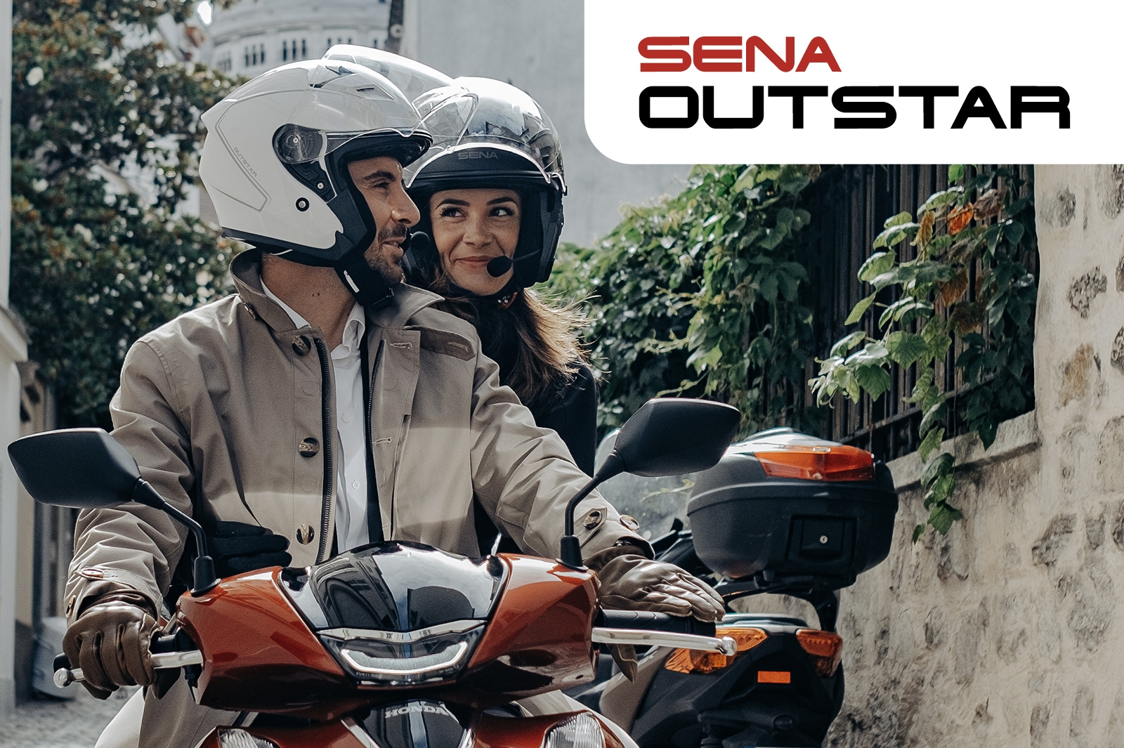 SENA : LE CASQUE JET SENA OUTSTAR EST MAINTENANT DISPONIBLE EN EUROPE!
