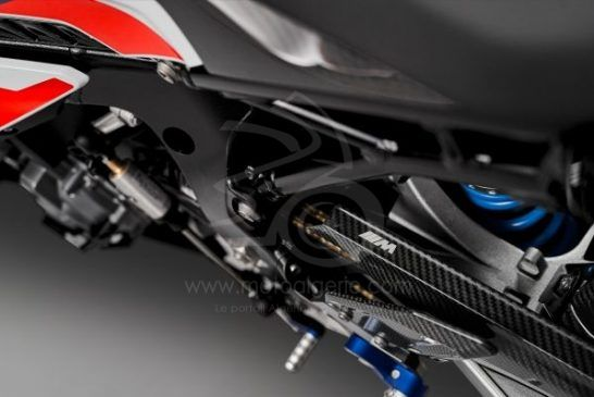 P90398281_lowRes_the-new-bmw-m-1000-r
