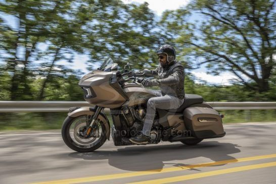 challengerdarkhorse_bronzesmoke_riding_my21_404483