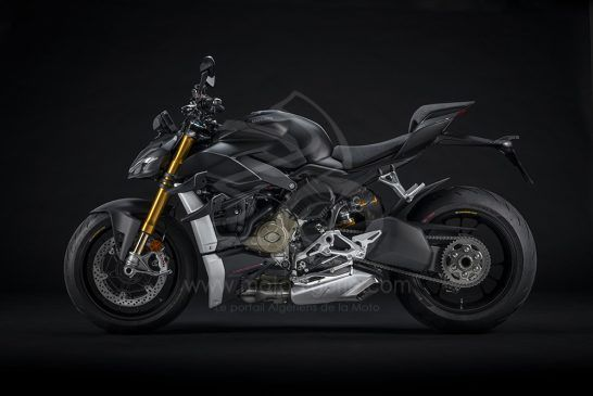 MY21_DUCATI_STREETFIGHTER_V4S _4__UC202901_Low