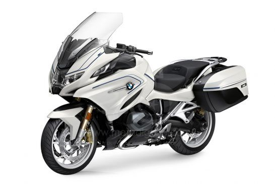 P90402246_highRes_the-new-bmw-r-1250-rt 2021
