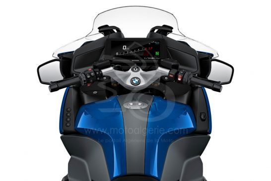 P90402251_highRes_the-new-bmw-r-1250-rt 2021