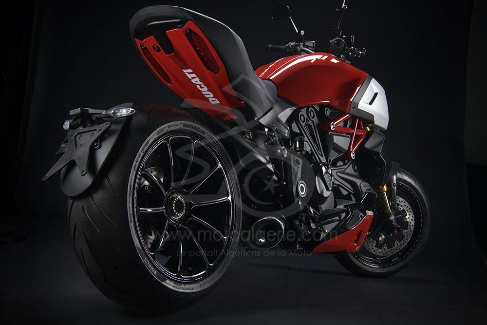 Ducati Performance : Les accessoires qui mettent en avant l'esprit sportif du Diavel 1260