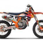 LA KTM 450 SX-F FACTORY EDITION 2021 PERPÉTUE L'ESPRIT D'EXCELLENCE DE KTM EN COMPÉTITION
