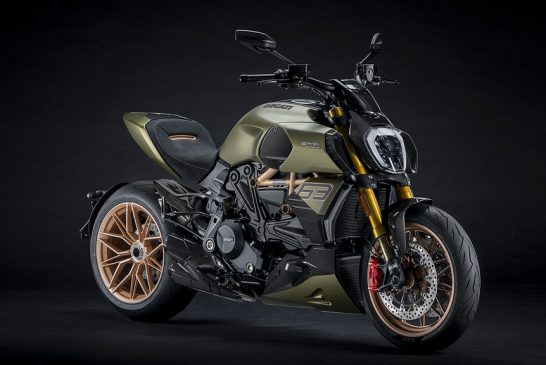 Diavel-lambo-MY21-04-Overview-Gallery-1920x1080