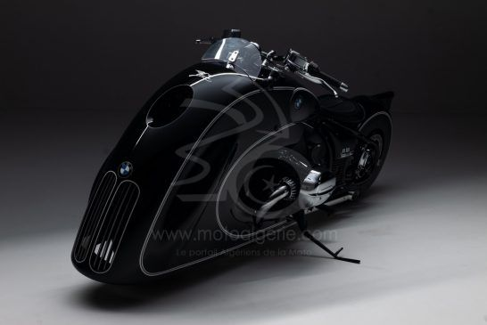 BMW R18 - Custom - P90411149_lowRes_-spirit-of-passion-b