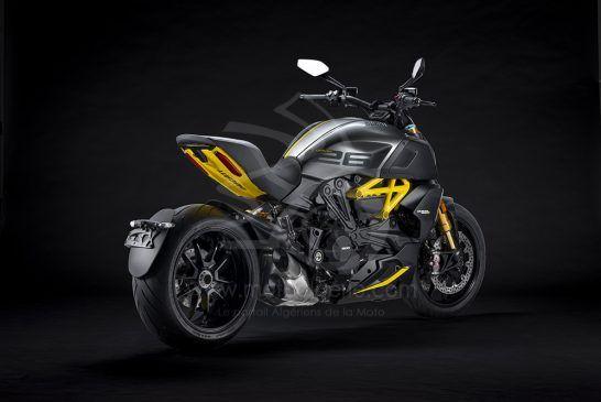 MY22_Ducati_Diavel_1260_S_01 _5__UC293433_Low