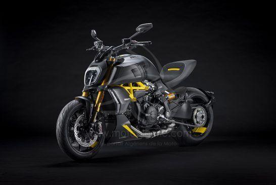 MY22_Ducati_Diavel_1260_S_01 _6__UC293435_Low