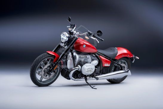 P90426101_BMW R 18 Mars Red métallisé