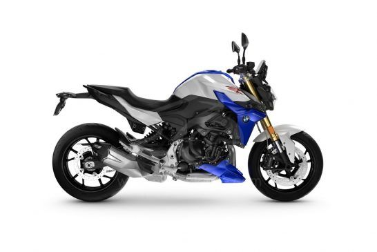 P90427082_BMW F 900 R - Light white Racing blue met.Racing red (Style Sport)