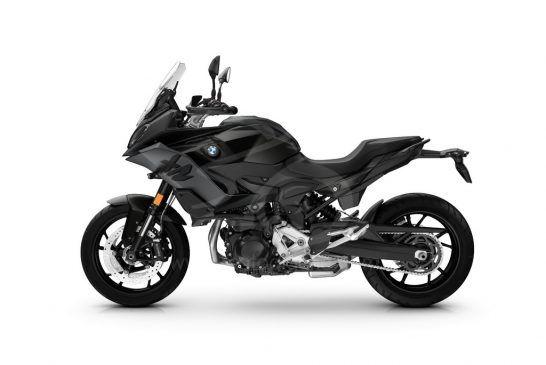 P90427086_BMW F 900 XR - Black storm metallic (Style Triple Black)