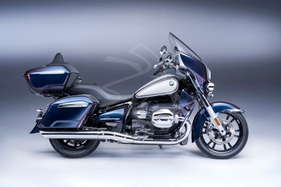 P90431073_lowRes_the-new-bmw-r-18-tra