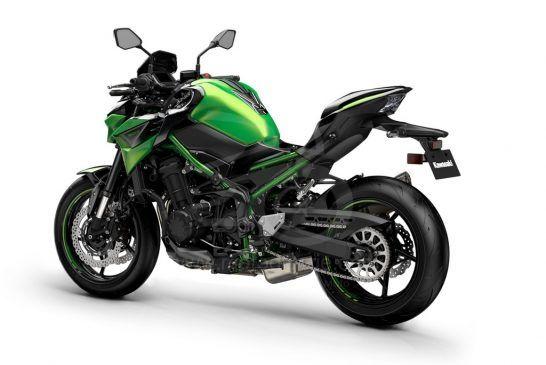 Kawasaki 2022_ZR900FNFBN-GN1_PC