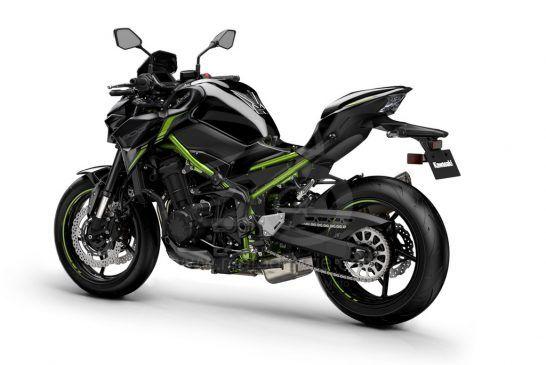 Kawasaki 2022_ZR900FNFNN-BK1_PC