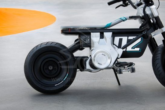 P90434024_lowRes_bmw-motorrad-concept
